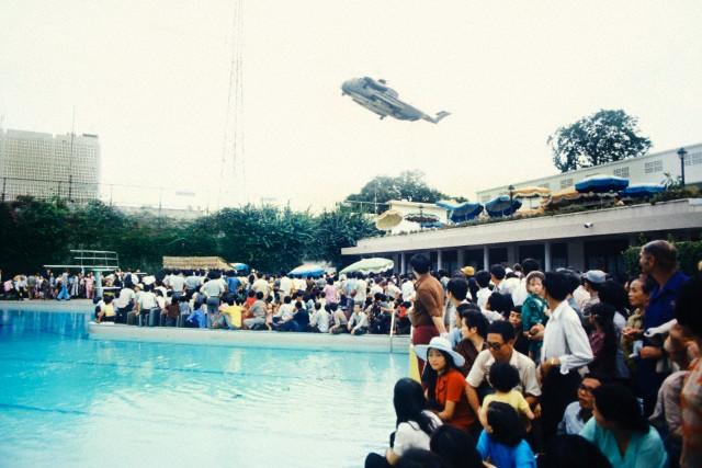 Swimming pool US Embassy 42975.jpg