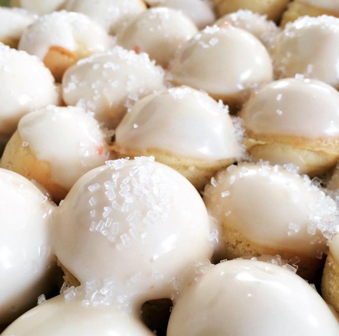 no-fry vanilla doughnut rounds