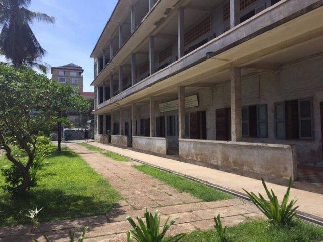S-21的建築群至今仍保留著當年的結構