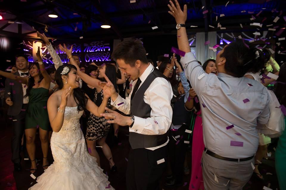 Confetti during wedding last dance