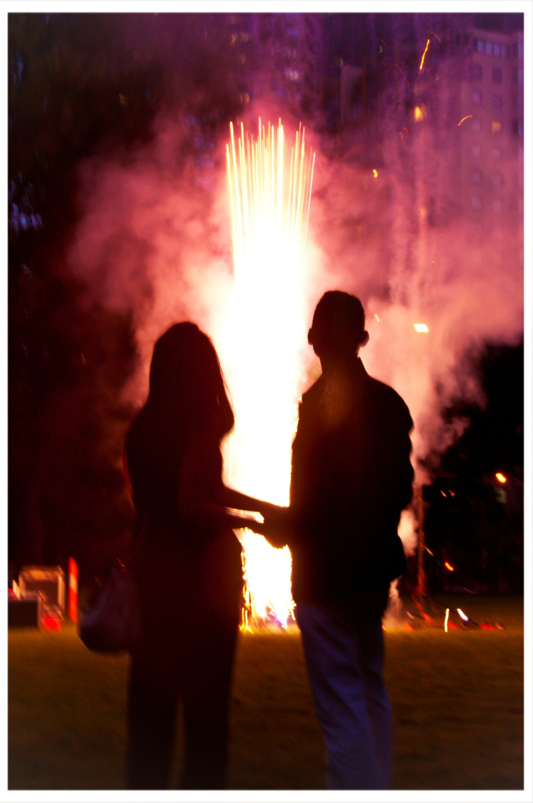 Blaso Pyrotechnics Close Proximity Fireworks are a spectacular addition to any reception thatgenerate a magnificent array of colour and light.