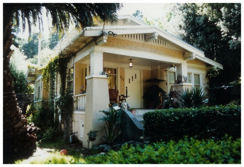 Craftsman_Residential_House.jpg