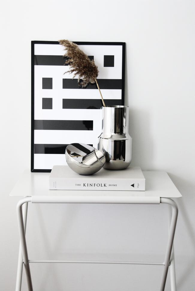 Aura Table Lamp in Yv Goya Studio / Photo by @yvgoyamag