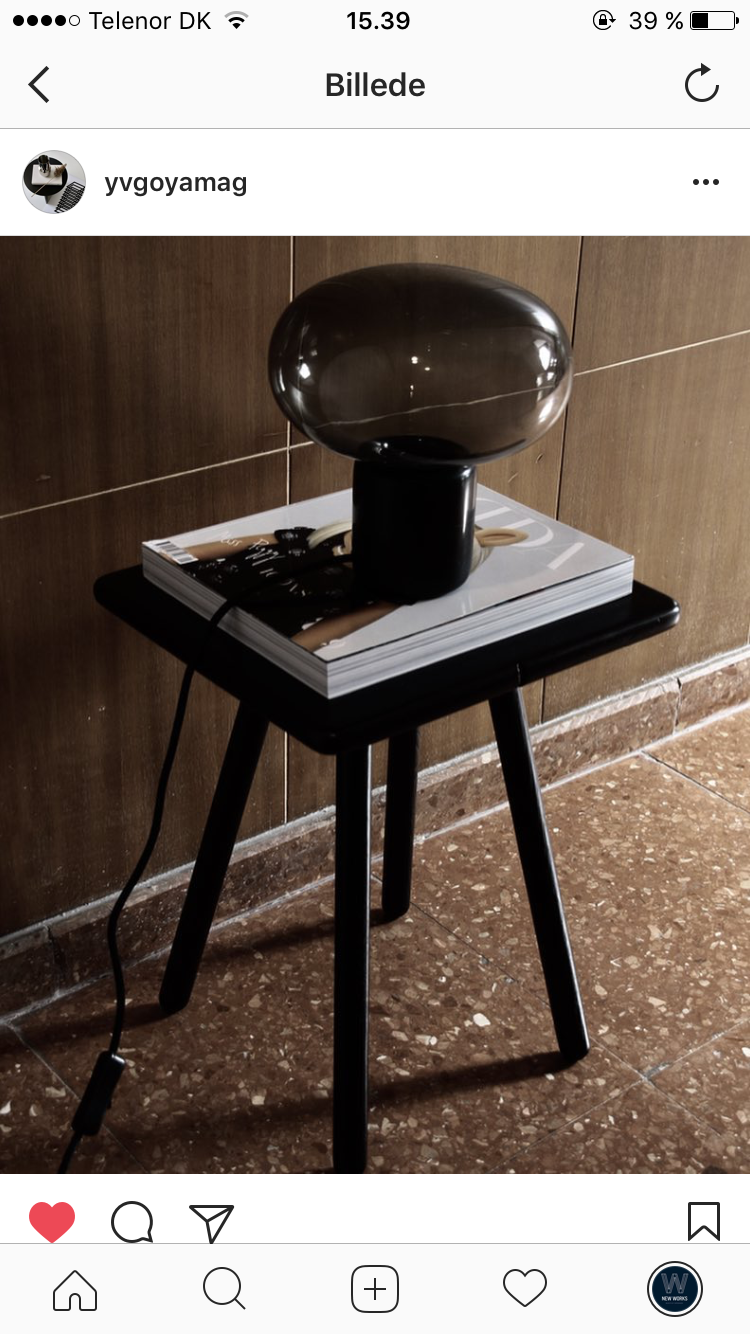 Karl-Johan Table Lamp in private home / Photo by @yvgoyamag