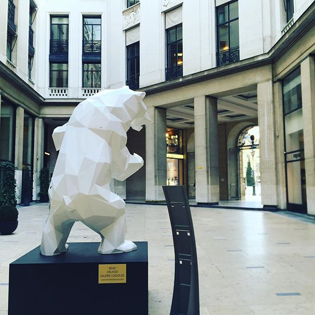 🐻 #paris #art #city #photo