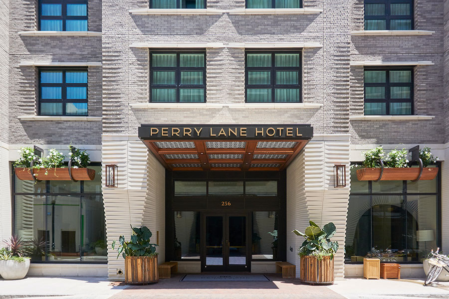 Perry-Lane-Hotel-01.jpg