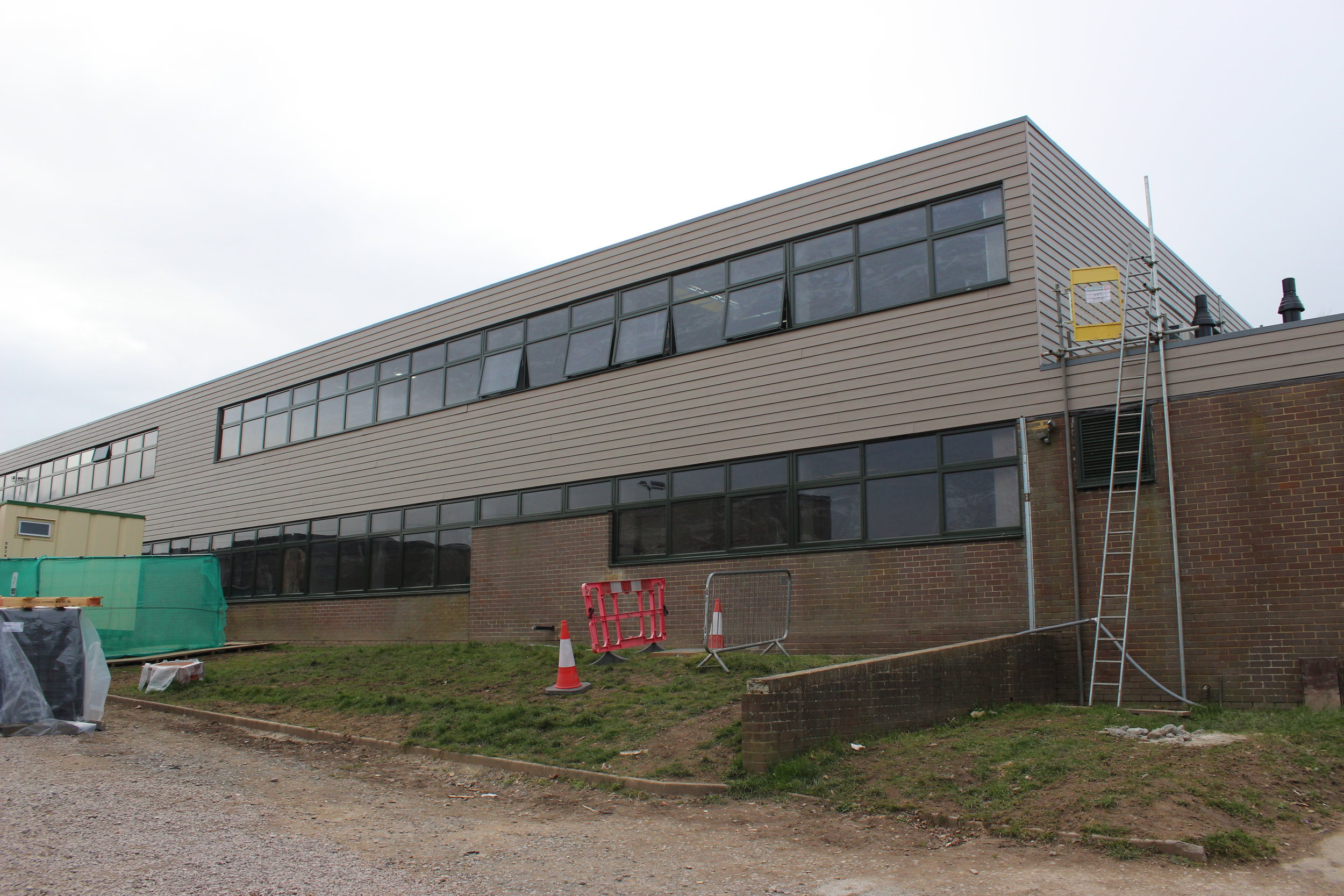 oathall-science-and-maths-new-building.JPG