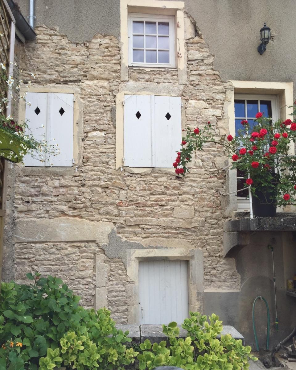 Charmelieu house front