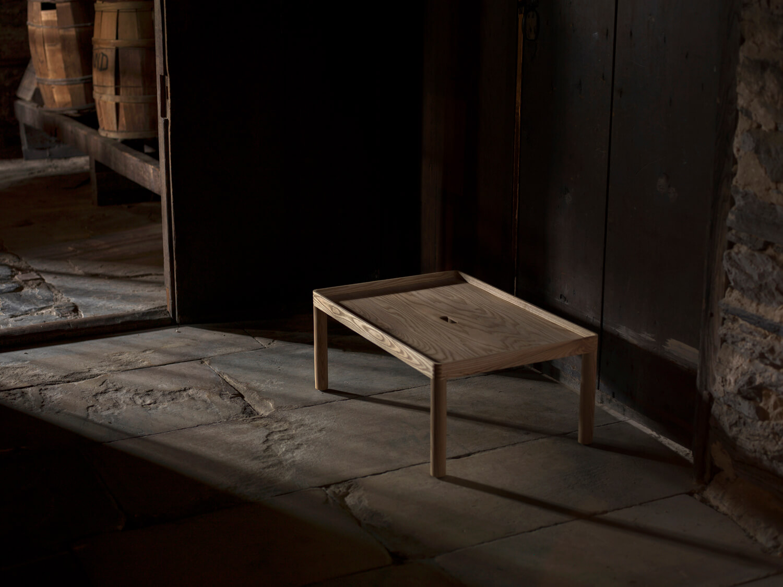 SISTER TABLE / Furnishing Utopia