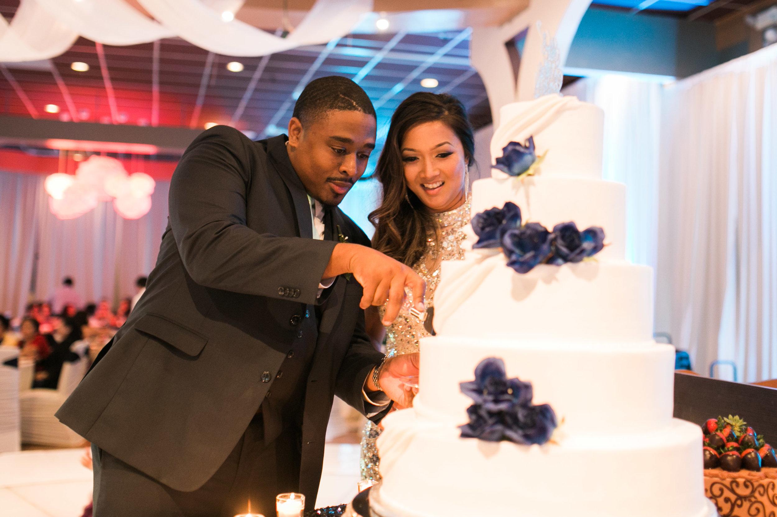 Cut the Cake!