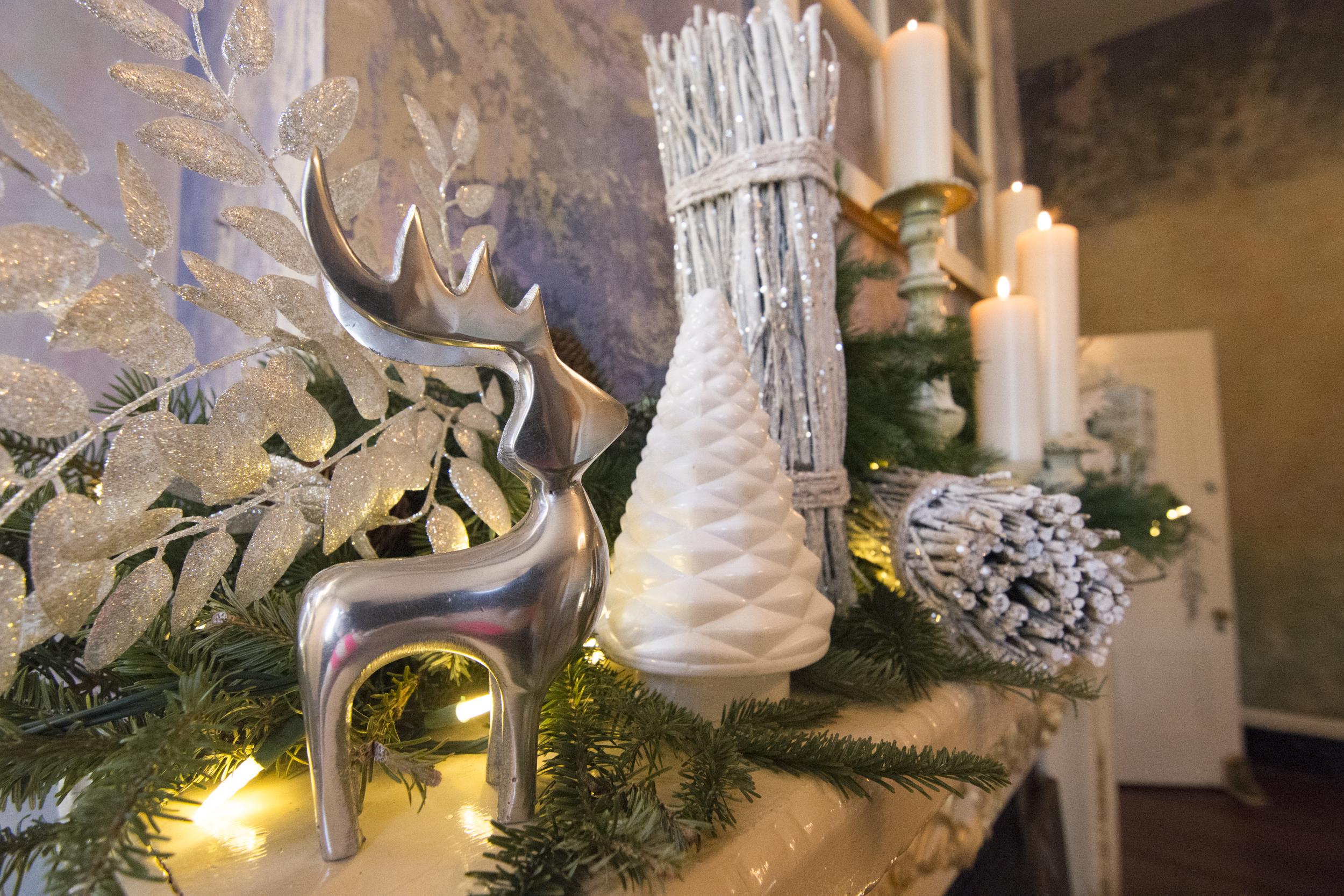 CaitlinHarris_ChristmasDecor25.jpg