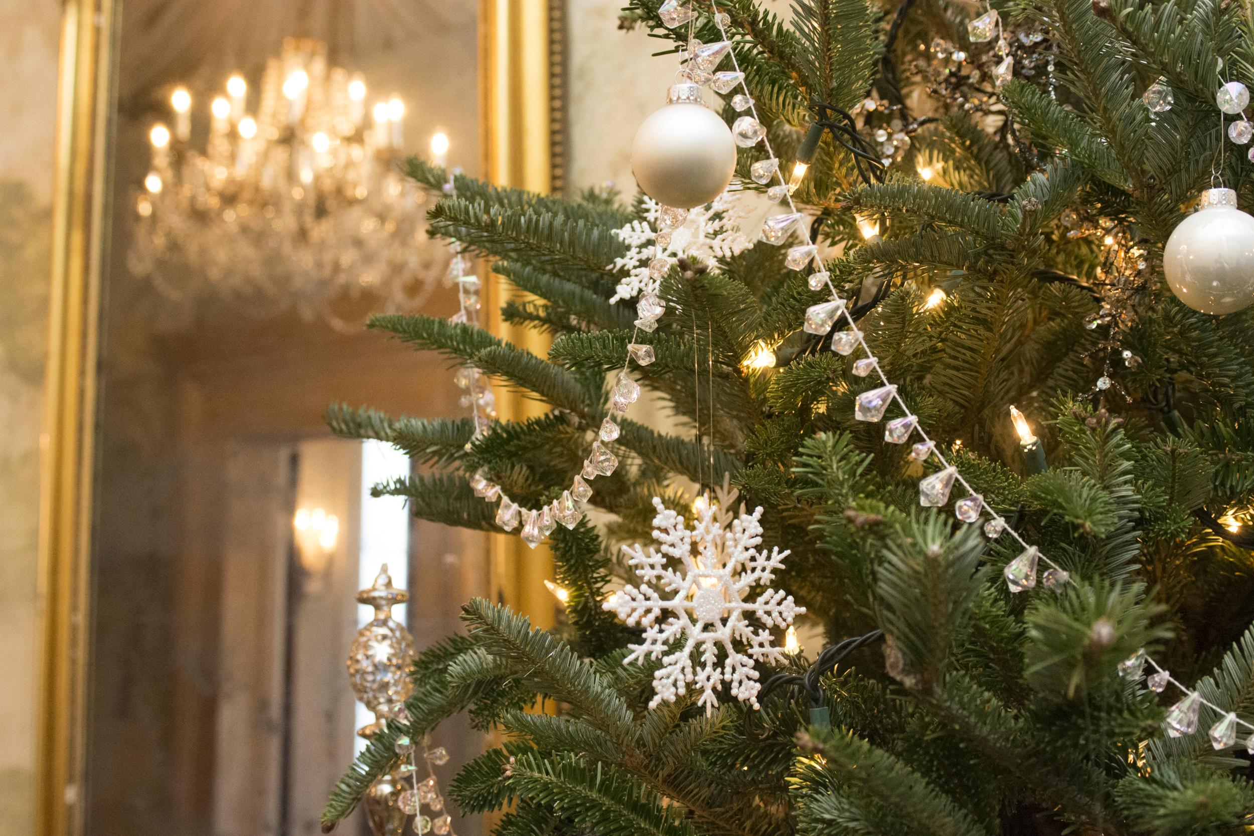 CaitlinHarris_ChristmasDecor27.jpg
