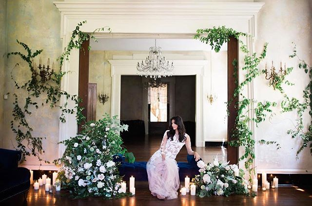 Talk about dreamy!?! Now this is what bridal dreams are made of!! Taken at @workshopvero hosted by @kannephoto #Veroworkshop #RiverwoodMansion