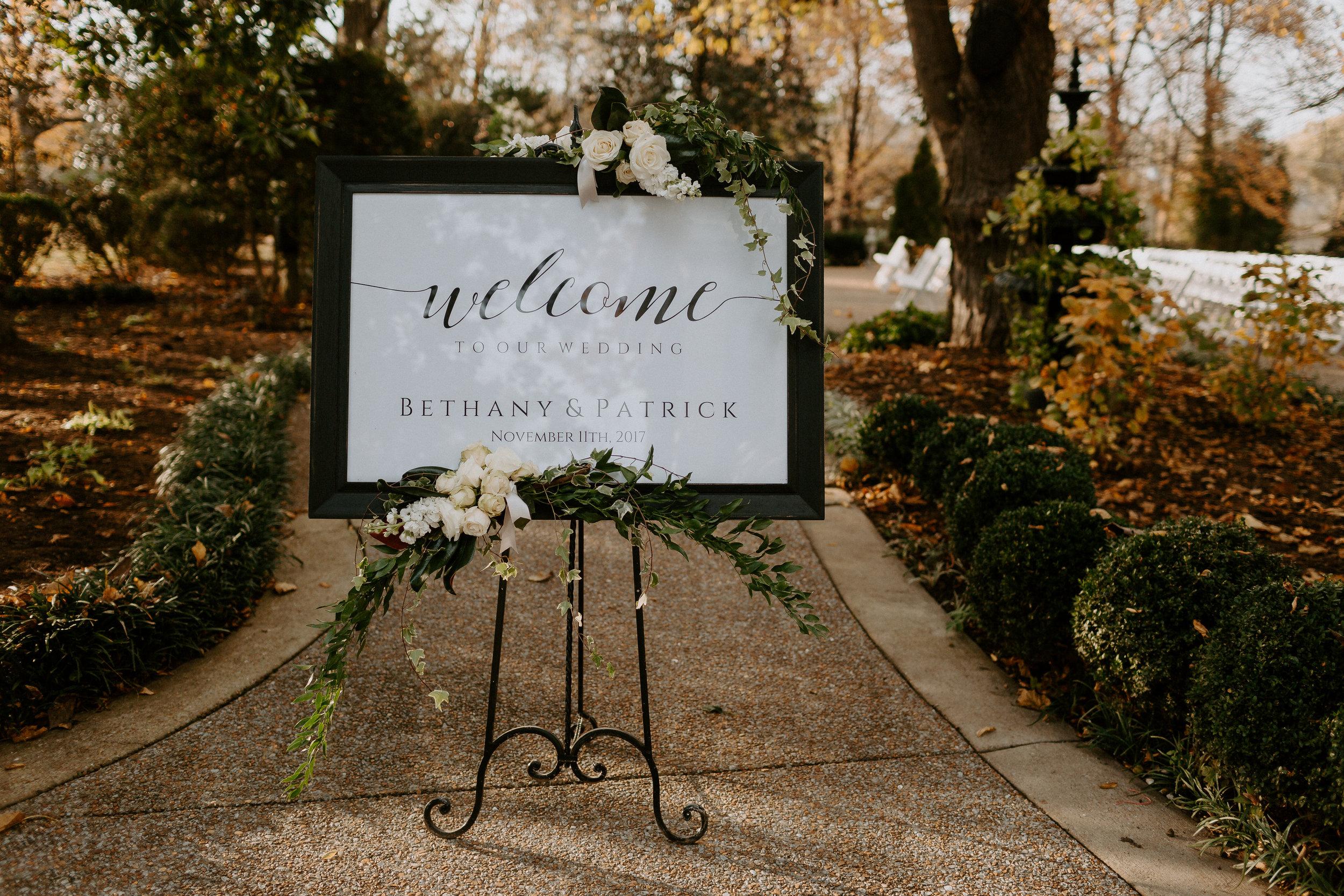 Signage Riverwood Mansion.jpg