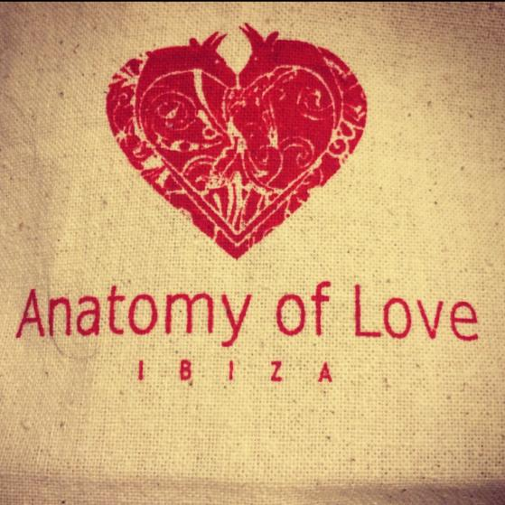 LAS-DALIAS-ANATOMY-OF-LOVE-02.jpg