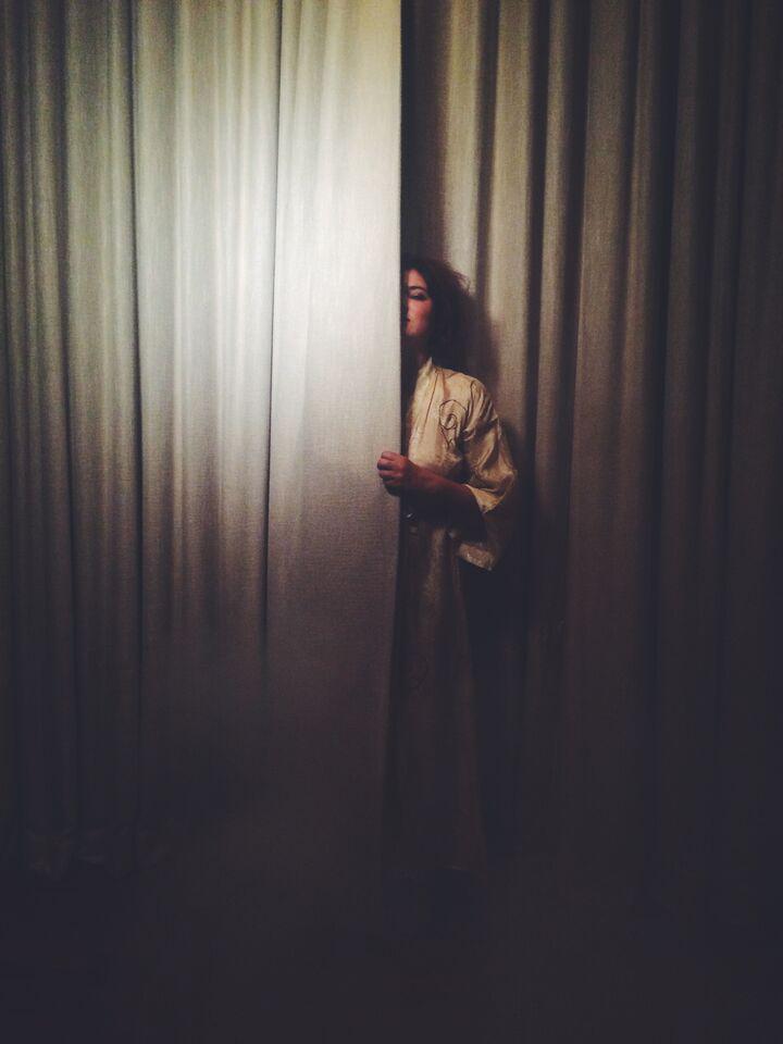 Curtain01_HeatherCvar_HiRes.jpg