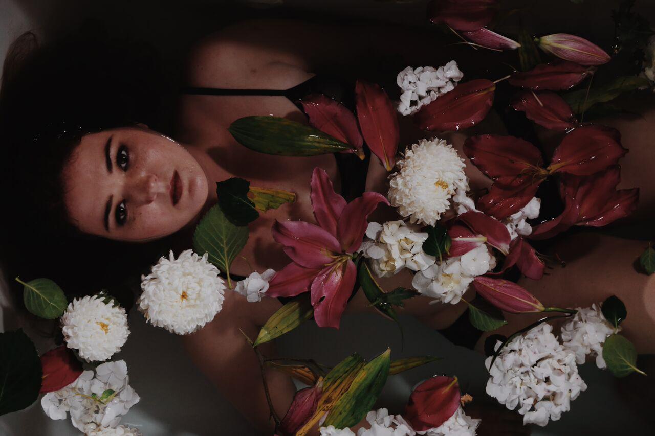 Flowers04_HeatherCvar_HiRes.jpg