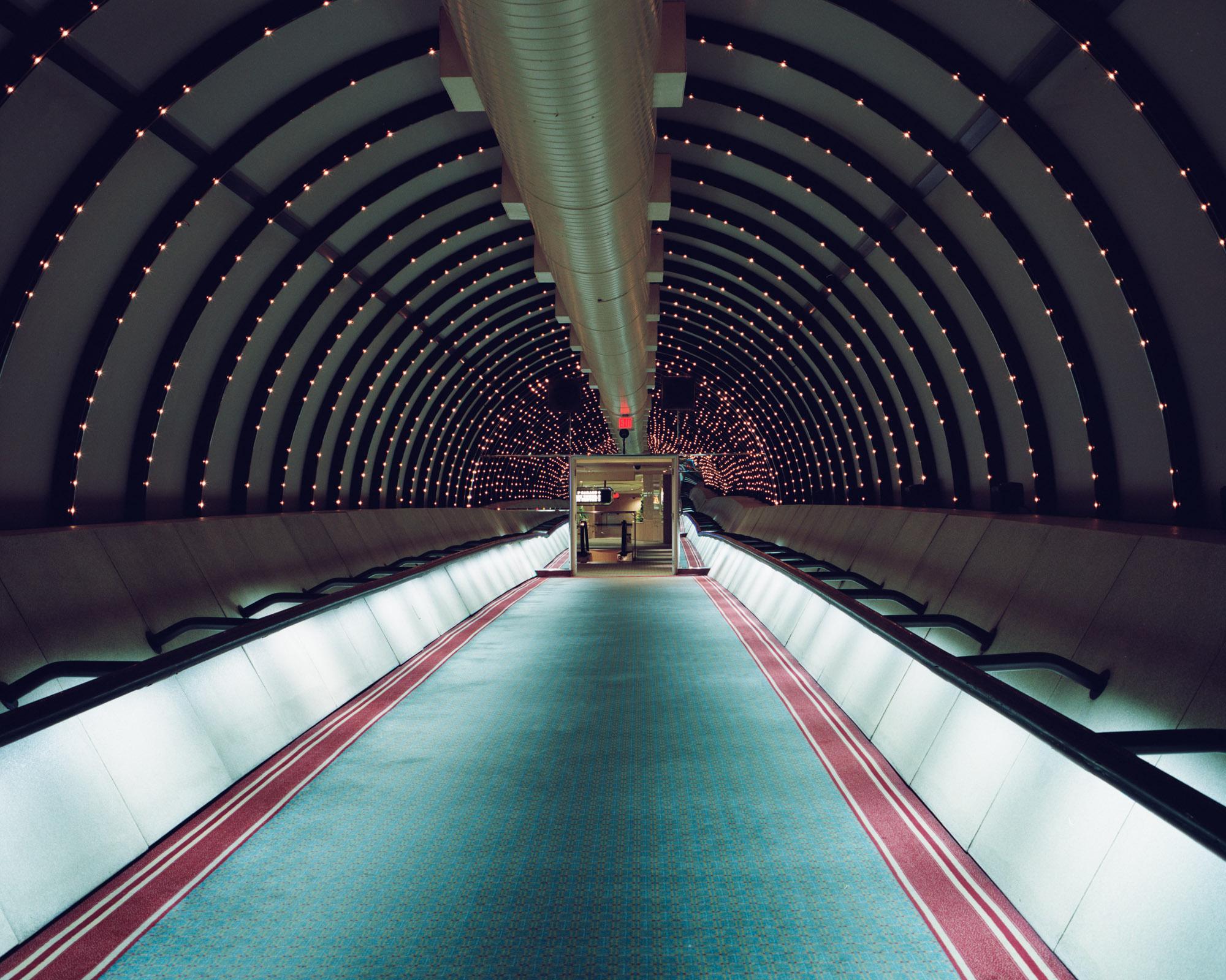 20_resorts hallway 1 (1)-.jpg