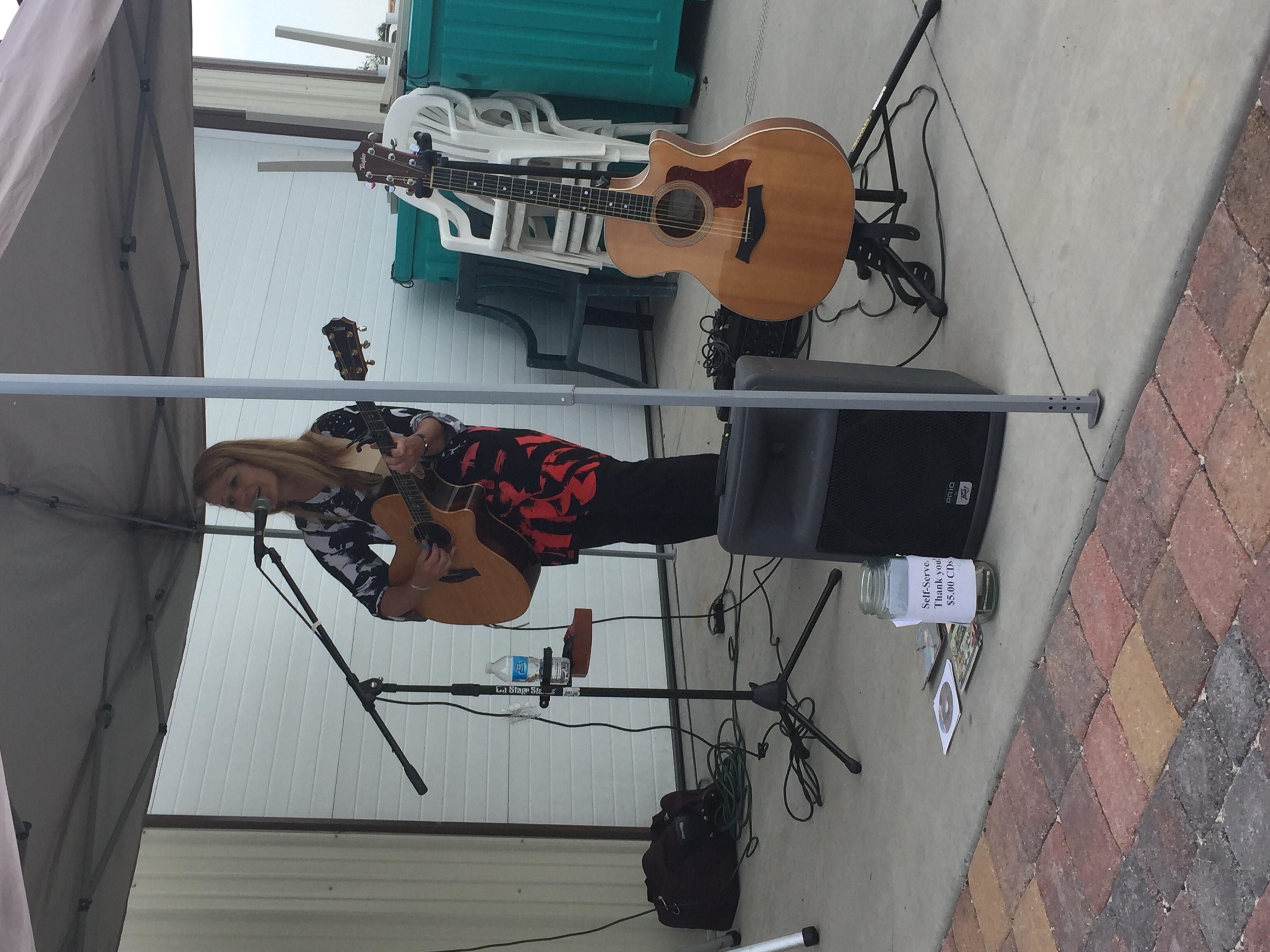 KJ Smile performing on our Sweet Arrow Saunter