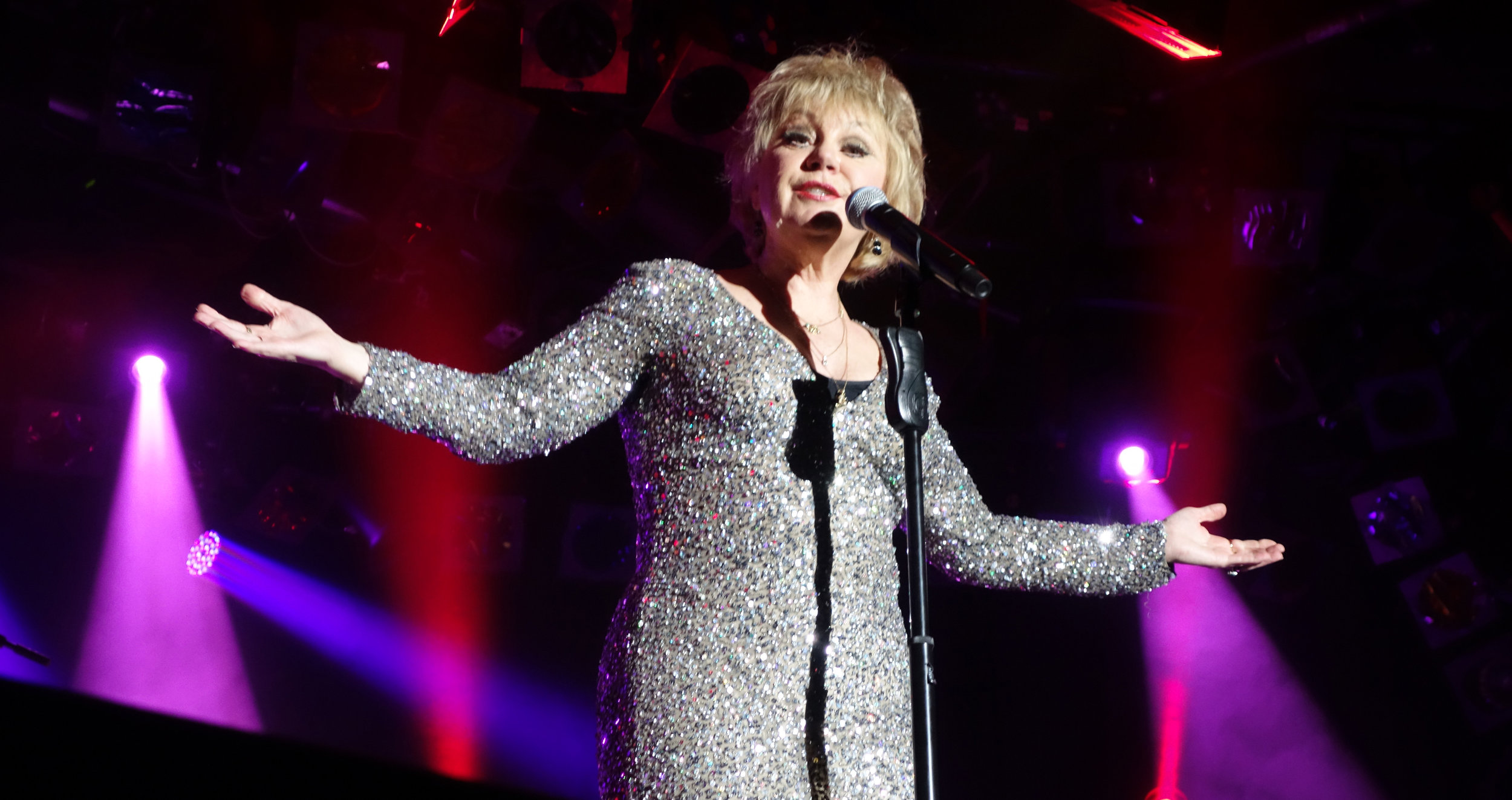 DONNA LEE SINGS PETULA CLARK. AWARD WINNING CABARET/TRIBUTE SHOW