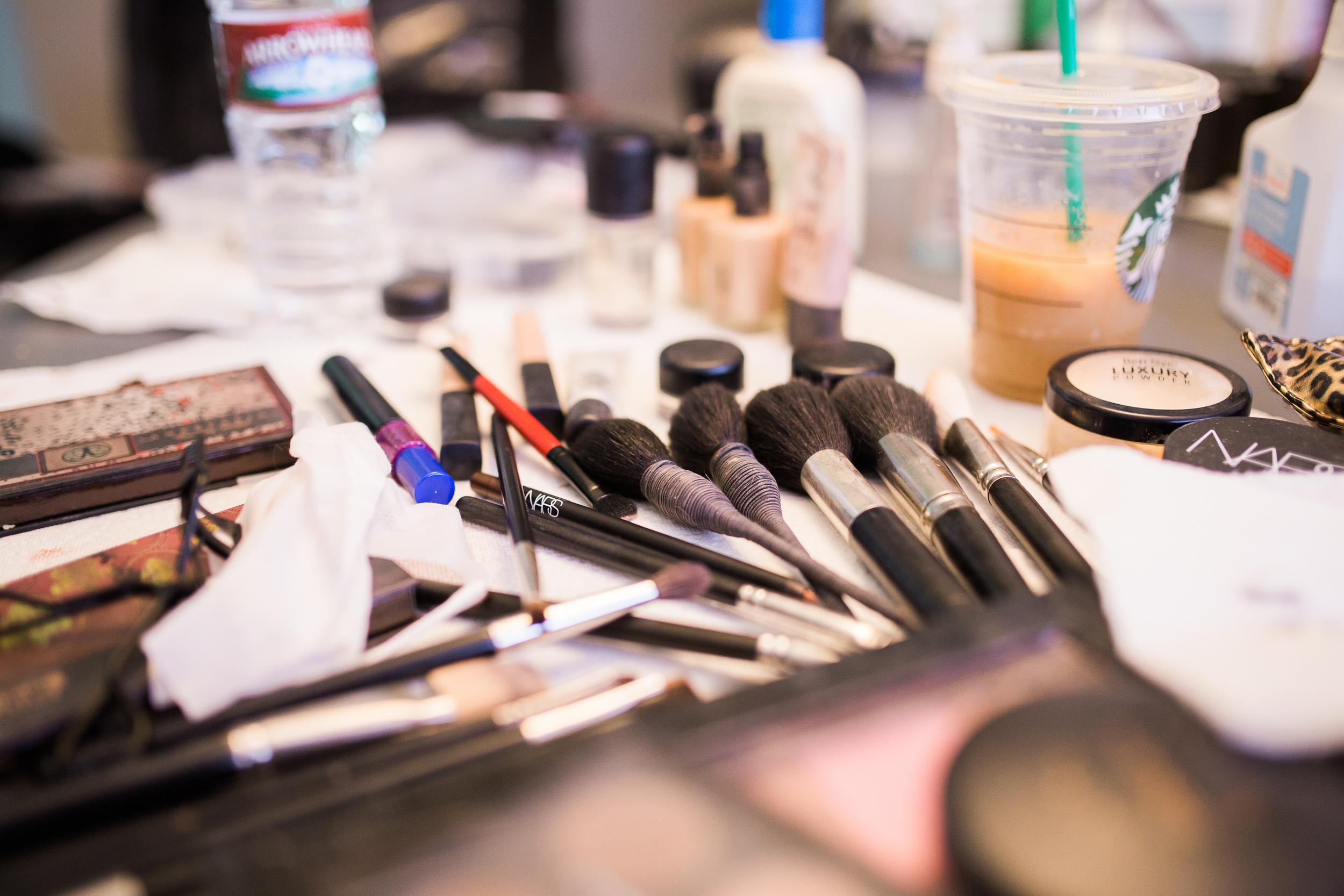 Coohills Wedding Photographer - wedding makeup station