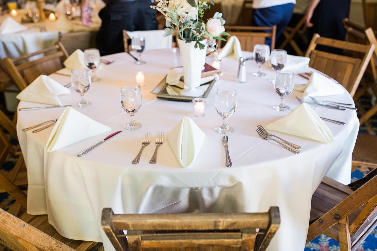 UNO wedding table setup