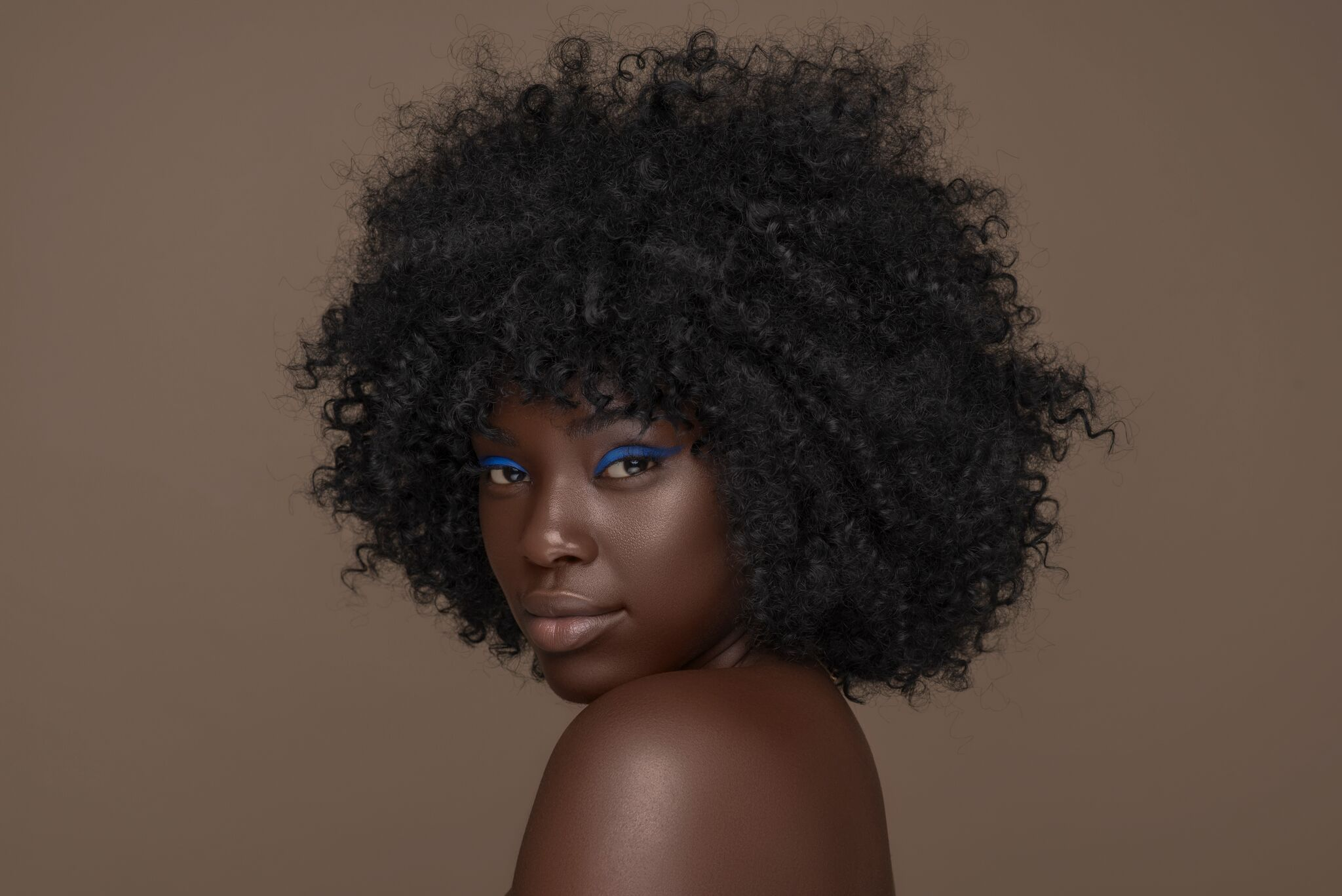 Christina Abiola-@jesusgang