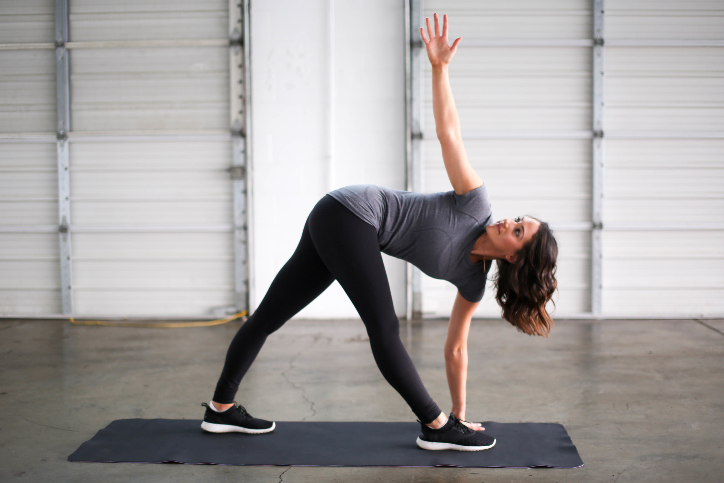 4 Stretches for Runners | Jennifer Diaz | Photo by Kelsey Cherry