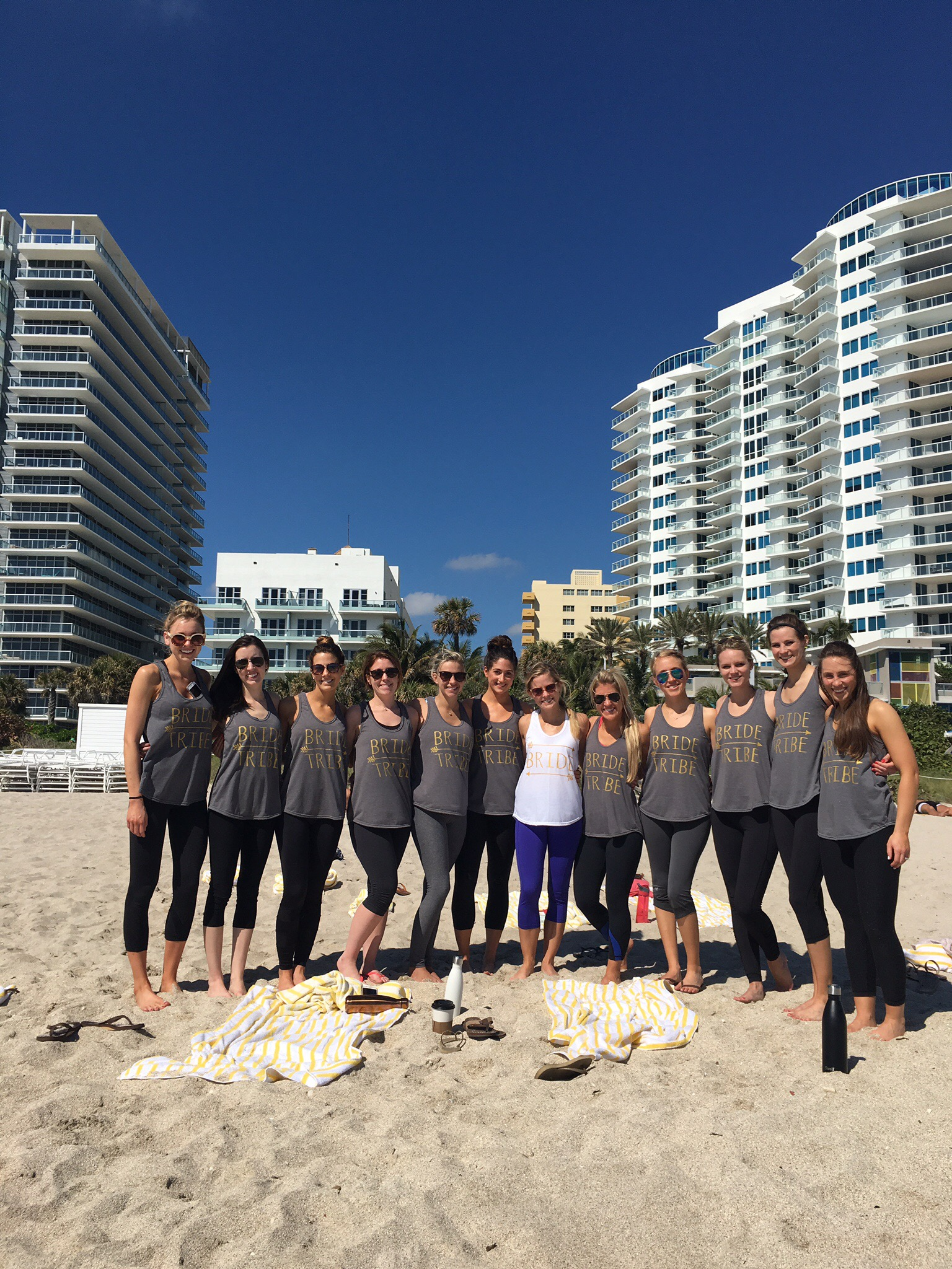 Yoga on the Beach | 7 Ways to Stay Healthy While Traveling | Jennifer Diaz