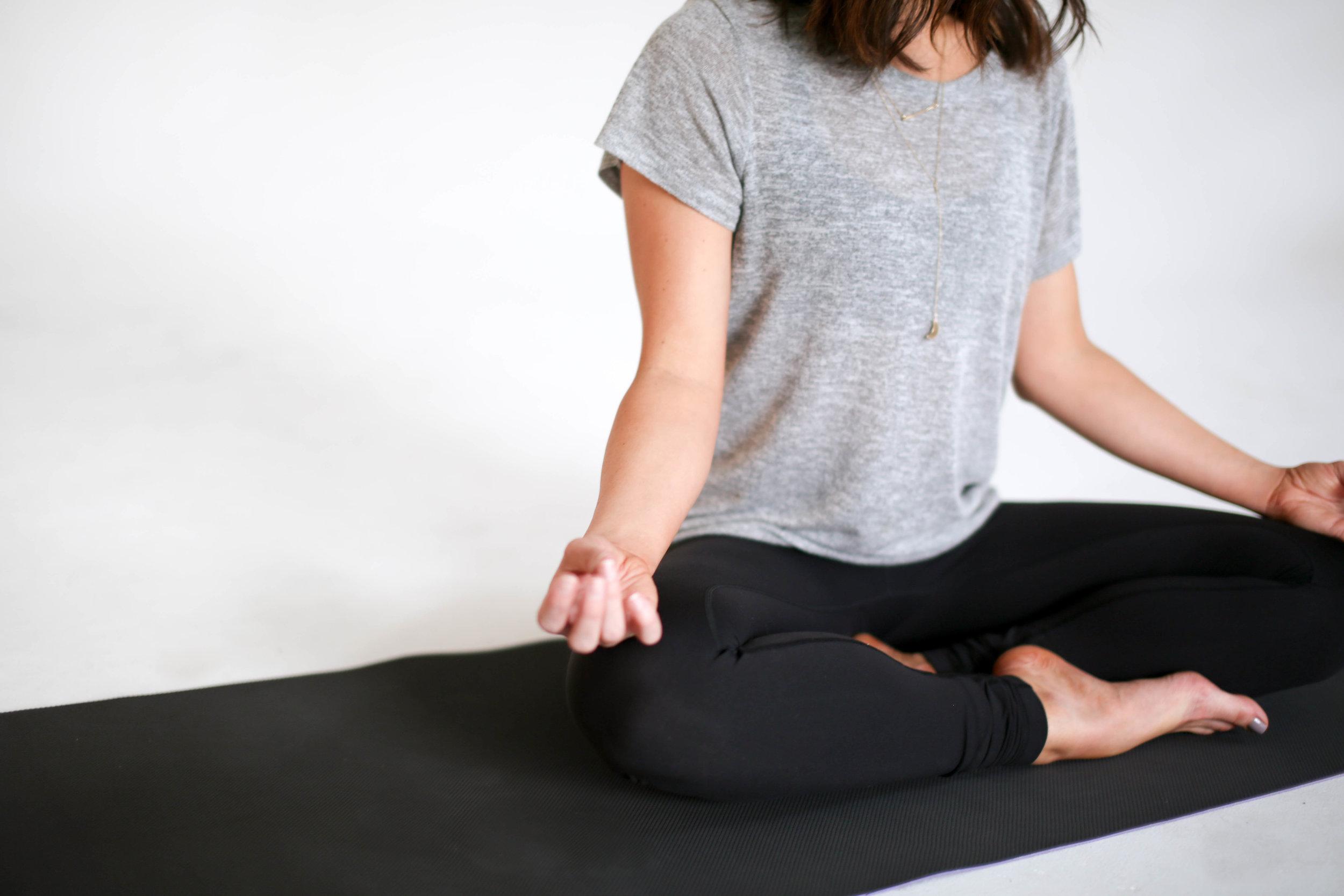 How To Start Meditating | 10 Meditation Tips for Beginners | Jennifer Diaz