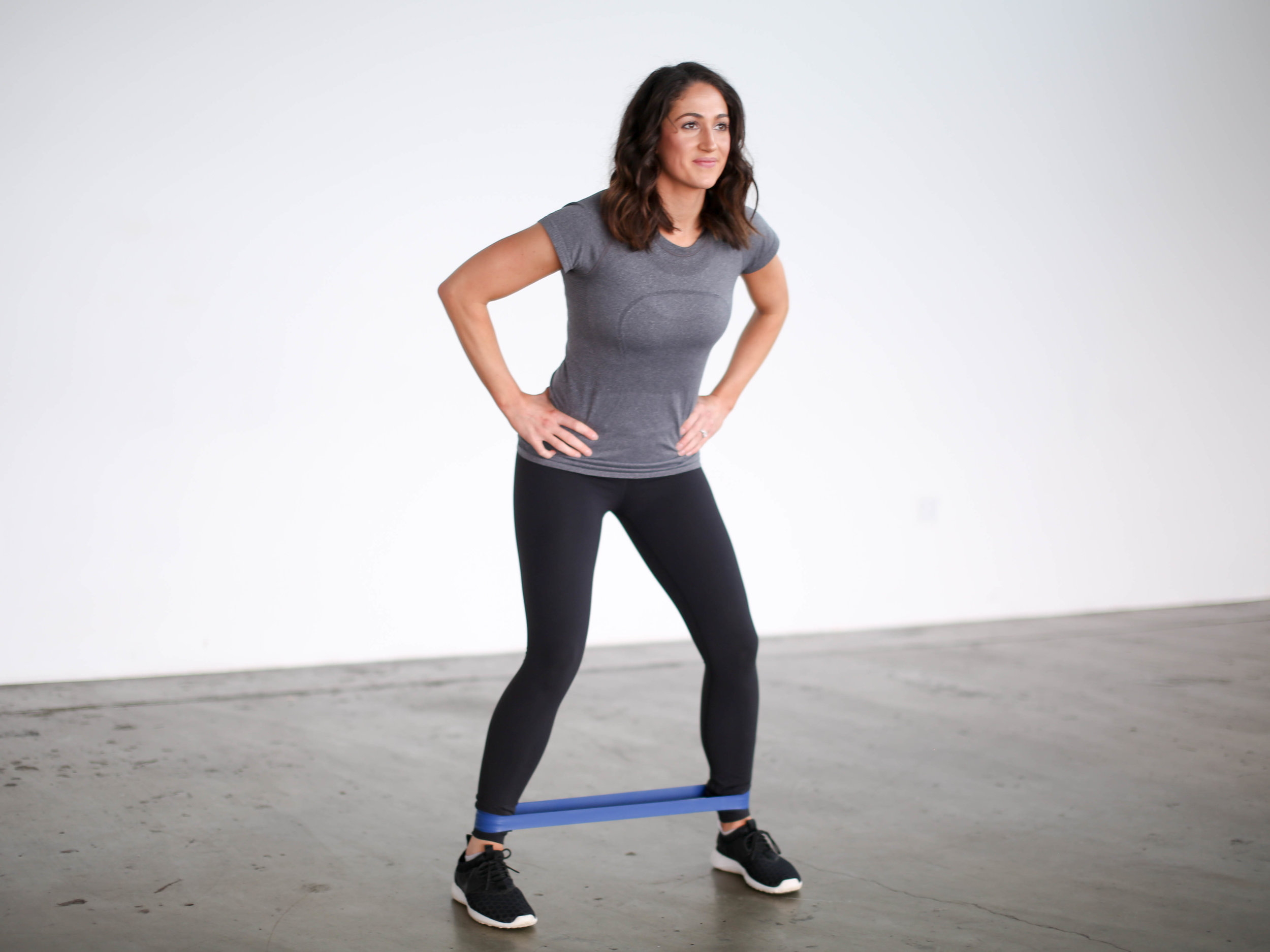 10 Moves to Tone and Strengthen Your Glutes by Jennifer Diaz // How to tone your glutes // moves for strong glutes // the best lower body exercises // best butt exercises