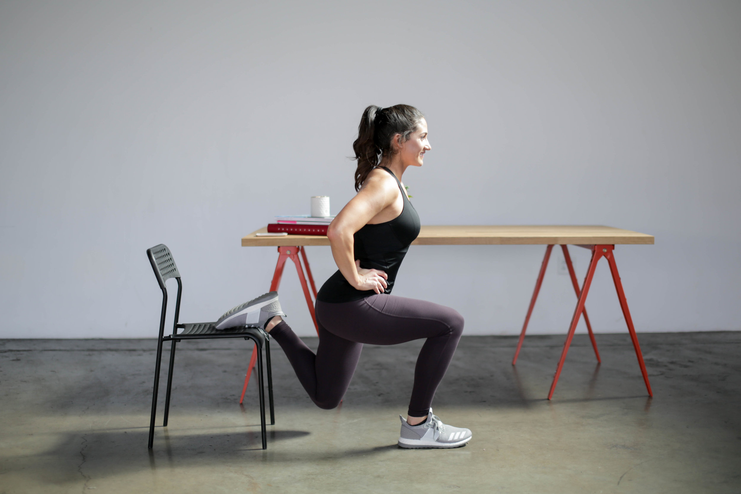 10 Moves to Tone and Strengthen Your Glutes by Jennifer Diaz // How to tone your glutes // moves for strong glutes // the best lower body exercises // why you should lift lower body // best butt exercises