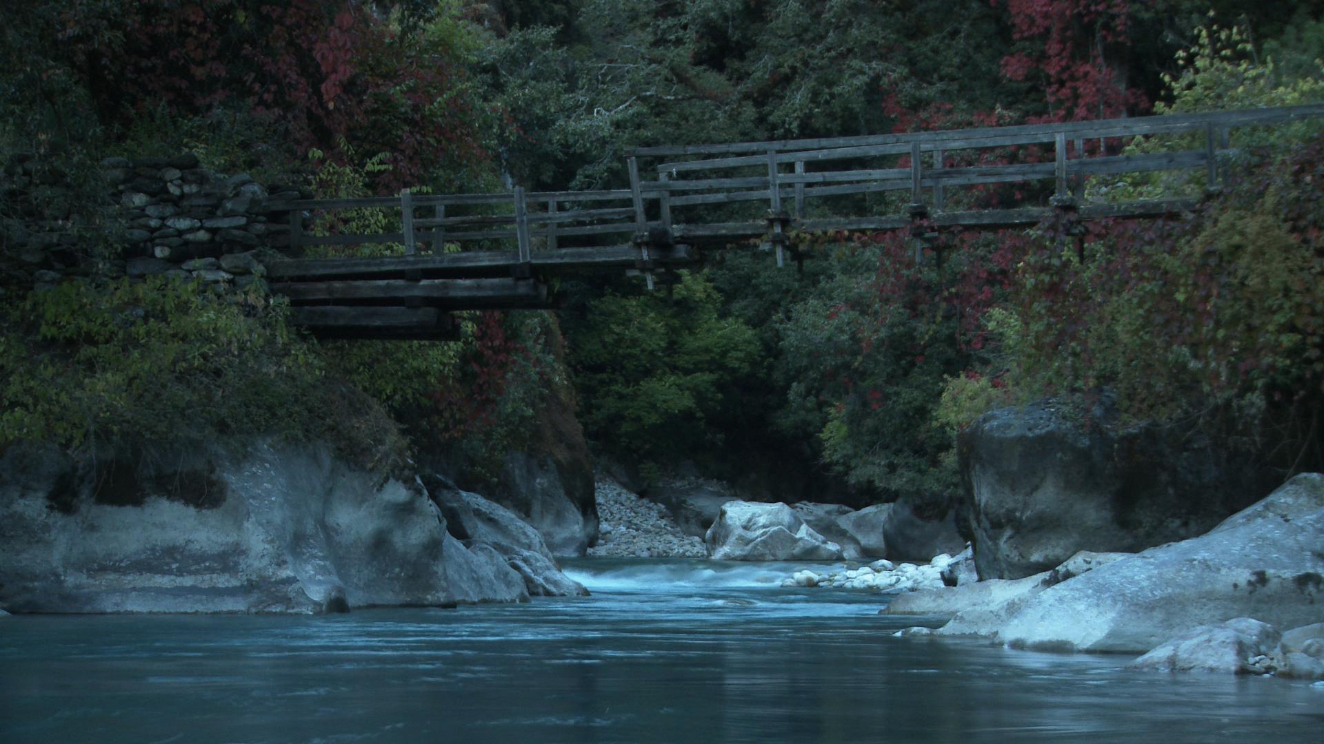 NEPL1318_TML_river bridge.jpg