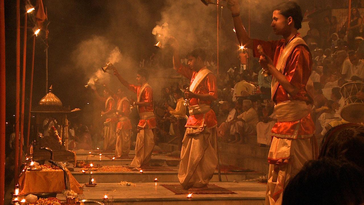 Varanasi Arati_04.jpg