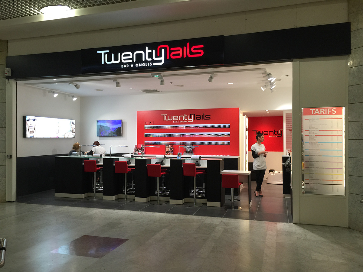 Twenty Nails Toulon