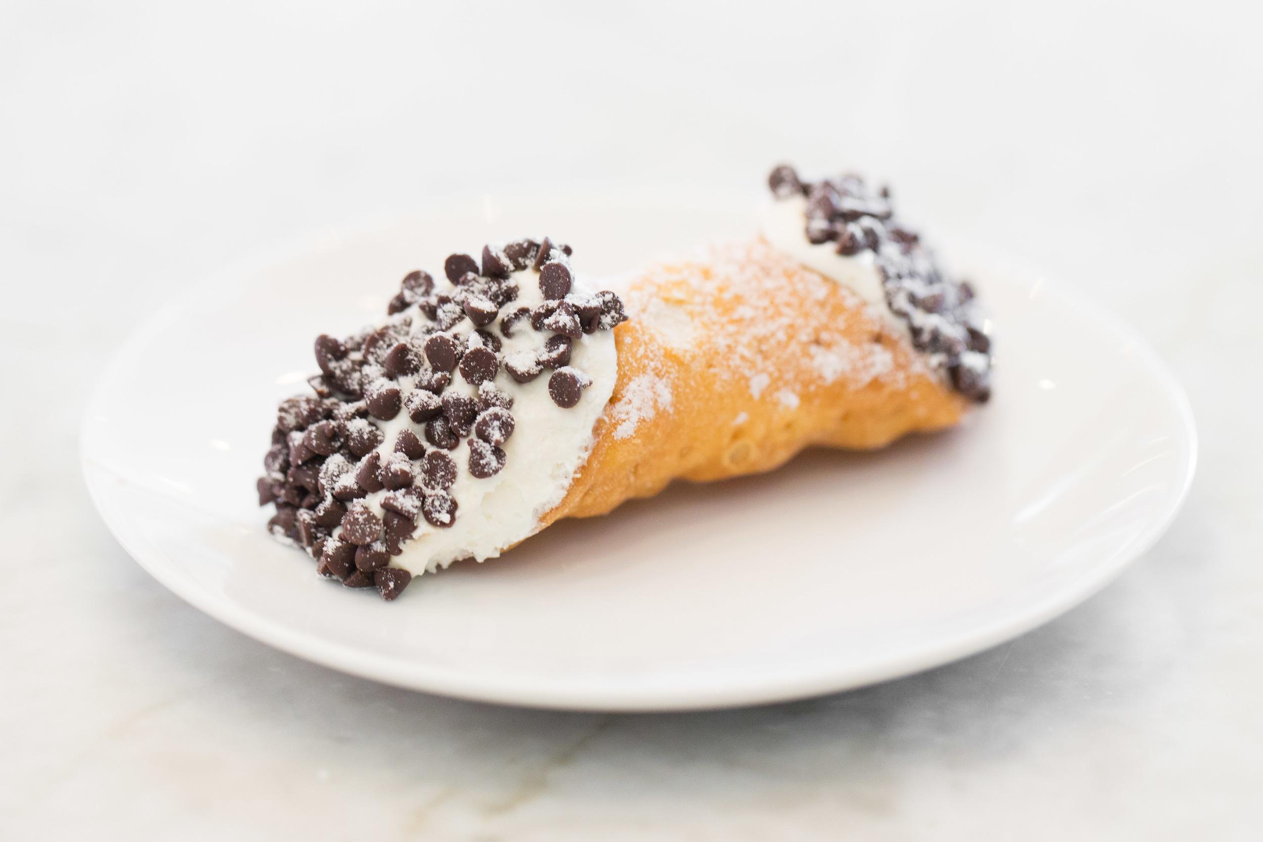 Chocolate Chip Cannoli