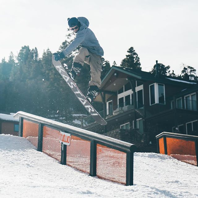 Weekdays in the mountains // The homie, Kyle Merrick, throwing down some heaters yesterday @bear_mountain @kastari_