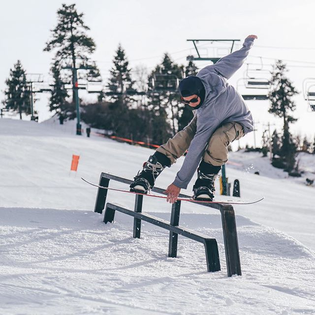 Style ain't nothin but a thang // Stoked to see what the mountains are gonna look like after this storm that's about to roll through #kylemerrick #ohsosteezy @bear_mountain