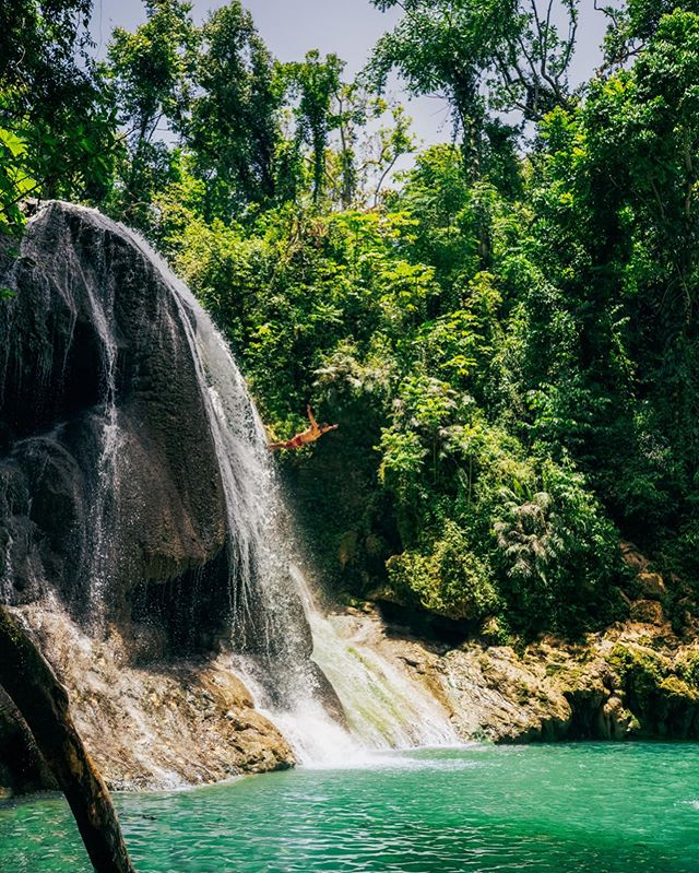 Your boy in his element 🌴🍹🍍 Thanks for snapping the photos! 📸 @allykorhan • • • #gozalandia #waterfalls #sansebastian #puertorico
