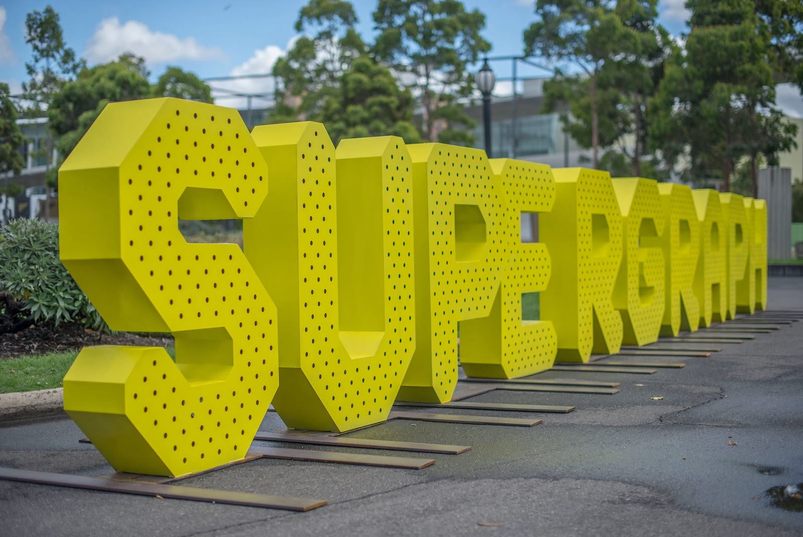 _supergraph_252+sign.jpg