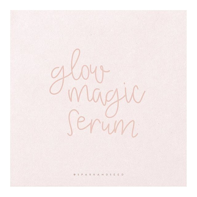 GLOW MAGIC SERUM ✨ ⠀⠀⠀⠀⠀⠀⠀⠀⠀ If you're looking for a little magic for your skin - this recipe is it friends! The dreamiest skin serum ever - and so easy to make! Frankincense and Lavender come in your starter kit, and Copaiba is a must-have outside the kit! 🙌🏼 ⠀⠀⠀⠀⠀⠀⠀⠀⠀ GLOW MAGIC SERUM: + 15 drops Frankincense + 15 drops Copaiba + 15 drops Lavender + Jojoba Oil + Witch Hazel ⠀⠀⠀⠀⠀⠀⠀⠀⠀ To make: Combine oils in a roller bottle, then top with jojoba oil and a splash of witch hazel! I have combination skin, so I love to do 50/50 jojoba oil and witch hazel after I have added the oils! ⠀⠀⠀⠀⠀⠀⠀⠀⠀ Use morning and night to soothe grumpy skin, blemishes and fine lines! I loooove using this one every night - I wake up in the morning with such soft skin! Magical! 💗 ⠀⠀⠀⠀⠀⠀⠀⠀⠀ ⠀⠀⠀⠀⠀⠀⠀⠀⠀ ⠀⠀⠀⠀⠀⠀⠀⠀⠀ ⠀⠀⠀⠀⠀⠀⠀⠀⠀ ⠀⠀⠀⠀⠀⠀⠀⠀⠀ ⠀⠀⠀⠀⠀⠀⠀⠀⠀ ⠀⠀⠀⠀⠀⠀⠀⠀⠀ ⠀⠀⠀⠀⠀⠀⠀⠀⠀ #crunchymama #youngliving #sparkandseed #hippiemama #healthyhappylife #nontoxichome #greenliving #wholeliving #veganskincare #chemicalfree #naturaloptions #diybeauty #chemicalfreehome #naturalbeautyproducts #plantbased #beautydiy #essentialoils #younglivingeo #greenhome #younglivingessentialoils #skinsupport #journeytowellness #cultivatingmotherhood #essentialoilsforskin #liveinspired #abmlifeiscolorful #legitmomstyle #motherhoodsimplified #feelthelean #intentionalliving
