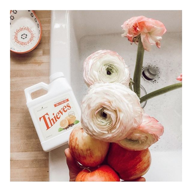 Soooooo darn excited to finally have the Thieves Fruit and Veggie soak here in Australia!!! We have been waiting soooo long! ❤️⠀⠀⠀⠀⠀⠀⠀⠀⠀ ⠀⠀⠀⠀⠀⠀⠀⠀⠀⠀⠀⠀⠀⠀⠀⠀⠀⠀ It's no secret that the produce we buy from the grocery store can be really icky and it's always best to wash the fruits and veggies we buy! The Thieves Fruit & Veggie Soak will clean all your produce SO well, and leave all the gunk and nasties behind!⠀⠀⠀⠀⠀⠀⠀⠀⠀ ⠀⠀⠀⠀⠀⠀⠀⠀⠀⠀⠀⠀⠀⠀⠀⠀⠀⠀ Use 2 tablespoons for every gallon of water. Completely cover produce and soak for 1–2 minutes. Rinse with clean water, and you're done! 🙌🏼⠀⠀⠀⠀⠀⠀⠀⠀⠀ ⠀⠀⠀⠀⠀⠀⠀⠀⠀⠀⠀⠀⠀⠀⠀⠀⠀⠀ ⠀⠀⠀⠀⠀⠀⠀⠀⠀⠀⠀⠀⠀⠀⠀⠀⠀⠀ ⠀⠀⠀⠀⠀⠀⠀⠀⠀⠀⠀⠀⠀⠀⠀⠀⠀⠀ ⠀⠀⠀⠀⠀⠀⠀⠀⠀⠀⠀⠀⠀⠀⠀⠀⠀⠀ ⠀⠀⠀⠀⠀⠀⠀⠀⠀⠀⠀⠀⠀⠀⠀⠀⠀⠀ ⠀⠀⠀⠀⠀⠀⠀⠀⠀⠀⠀⠀⠀⠀⠀⠀⠀⠀ ⠀⠀⠀⠀⠀⠀⠀⠀⠀⠀⠀⠀⠀⠀⠀⠀⠀⠀ #crunchymama #youngliving #sparkandseed #hippiemama #healthyhappylife #nontoxichome #greenliving #wholeliving #holistic #chemicalfree #naturaloptions #whatveganseat #chemicalfreehome #momlife #plantbased #wholefoodsplantbased #essentialoils #younglivingeo #greenhome #younglivingessentialoils #guthealth #journeytowellness #ecofriendly #organicproduce #liveinspired #motherhoodintheraw #clickinmoms #motherhoodsimplified #organiclifestyle #intentionalliving