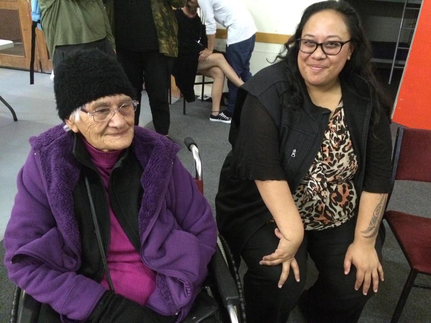 Taua Kiwa Hutchens with Ariana Mataki-Wilson at the Hinetitama Workshop