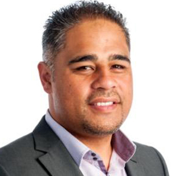 Minister for Whānau Ora, Hon. Peeni Henare     Hon Peeni Henare is the Member of Parliament for Tāmaki Makaurau, and is of Ngāti Hine and Ngāpuhi descent. He is the Minister for Community and Voluntary Sector, Minister for Whānau Ora, and Minister for Youth, as well as Associate Minister for Social Development. Prior to politics Peeni worked as a businessman, broadcaster and teacher.  Politics and public service is in his blood: his father was Erima Henare, who was head of the Māori Language Commission; his grandfather was Sir James Henare, a lieutenant colonel in the Māori Battalion, member of Te Rūnanga o te Tiriti o Waitangi, and Commander of the British Empire (CBE); and his great-grandfather Taurekareka (Tau) Henare was also a Member of Parliament, for the former electorate Northern Māori from 1914 to 1938.