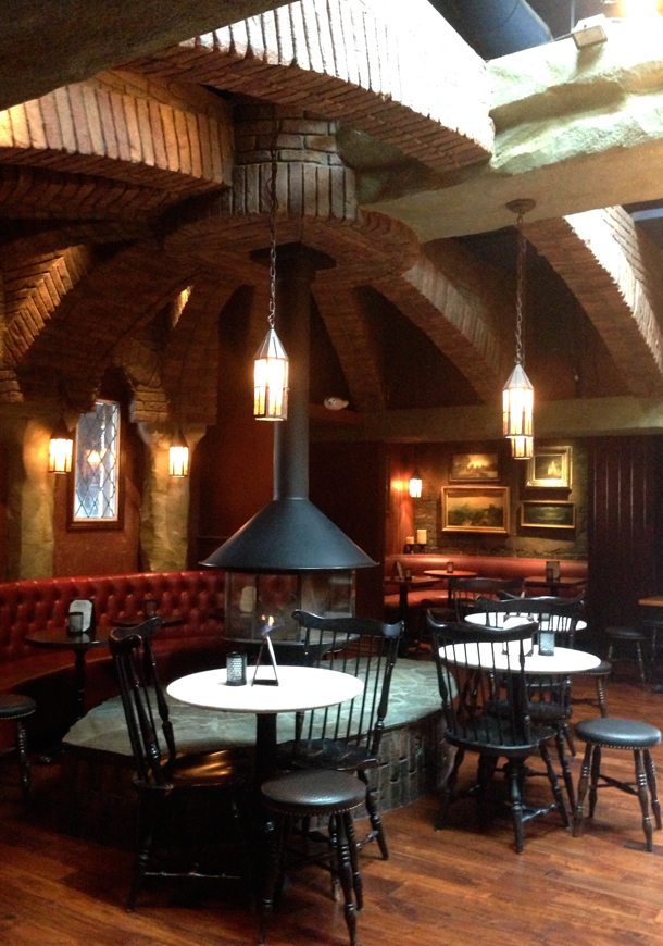 Interior The Griffin in Atwater Village, Los Angeles / Bourbon and Goose