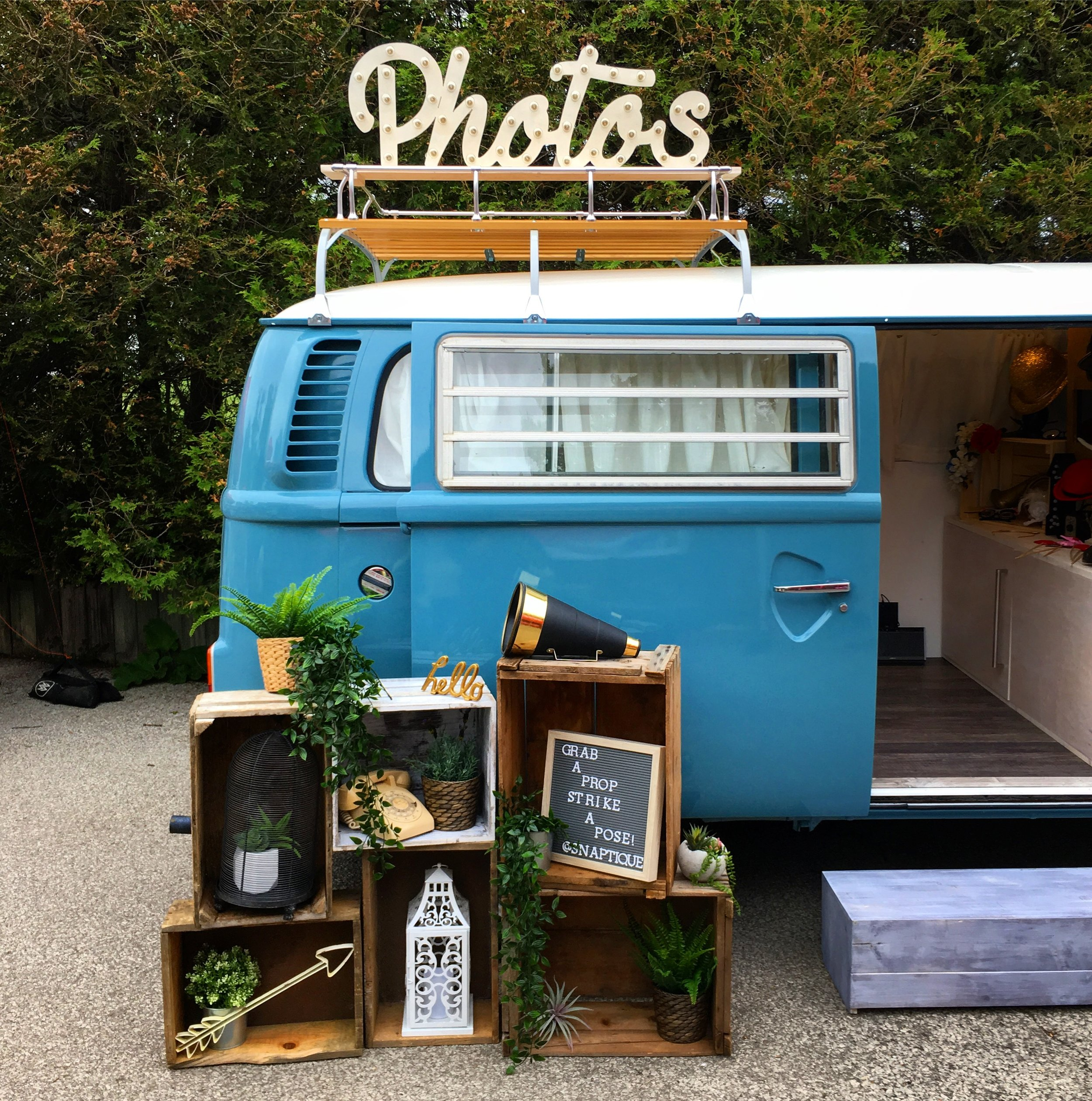 Snaptique Photo Booth VW BUS