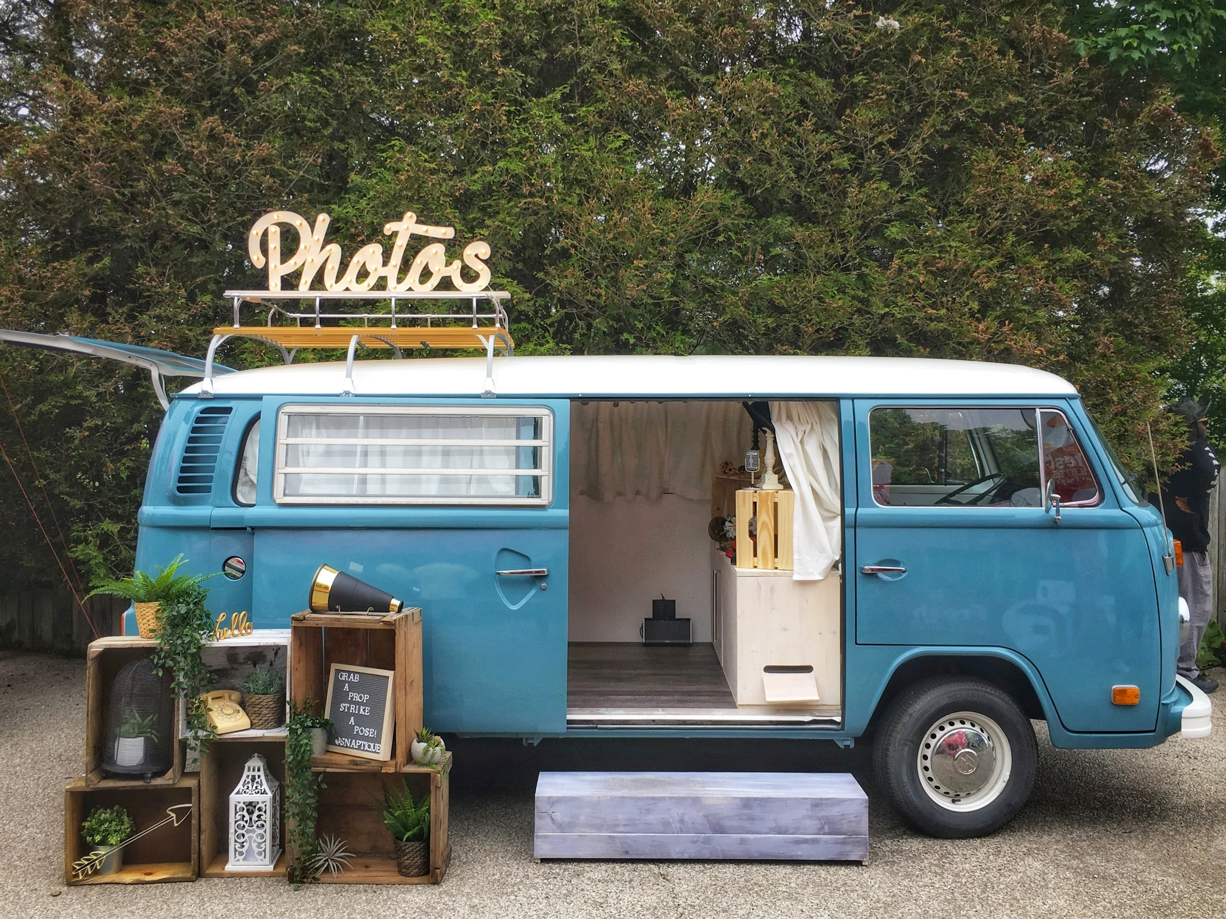 Snaptique - VW Bus Photo Booth