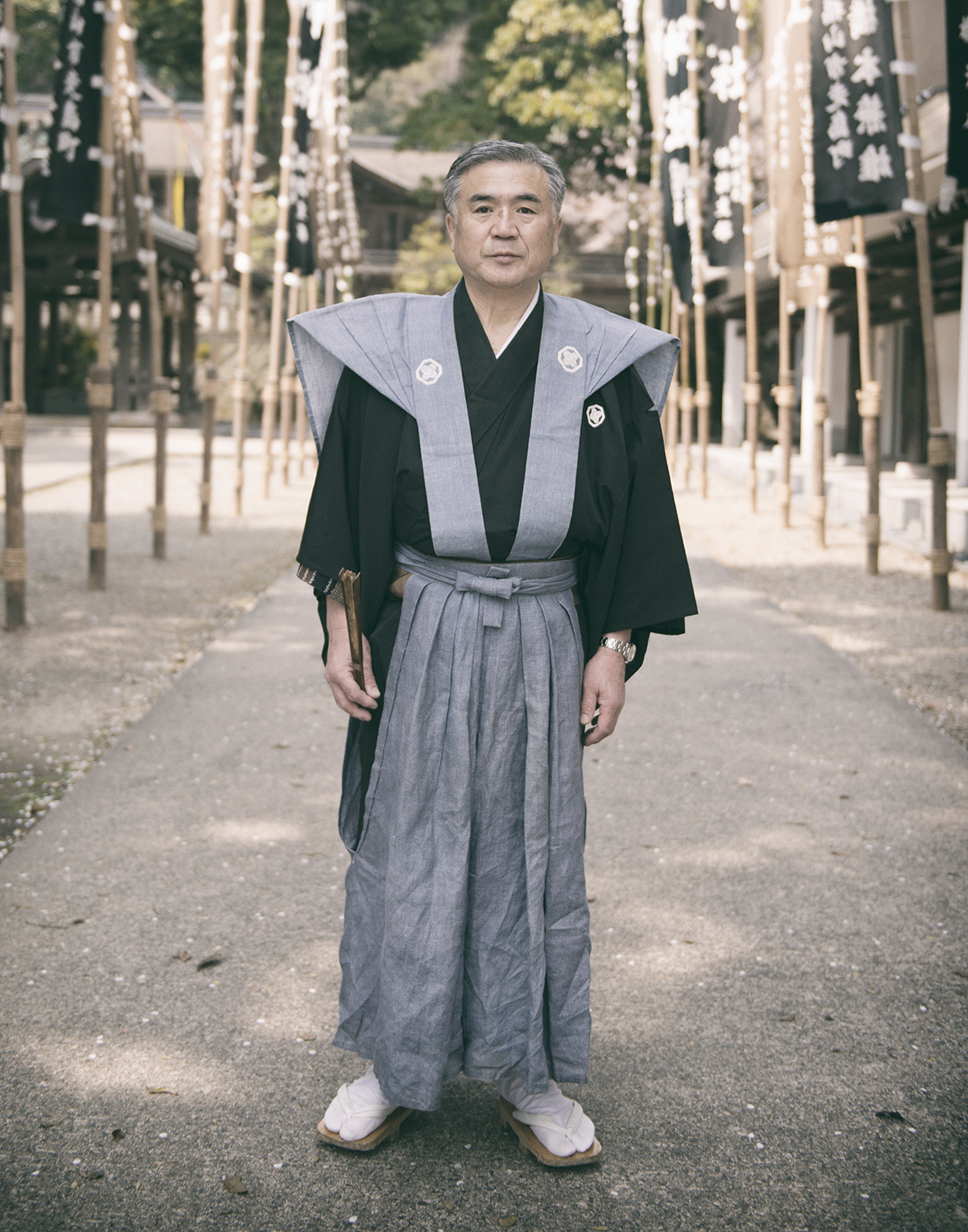 Mr. Fukuma is one of the Ujiko (氏子) people and also an owner of Fukuma-kan, a traditional Japanese style ryokan inn which has been in business since 1717.