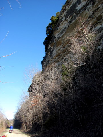 The Katy Trail runs between bluffs and the Missouri River