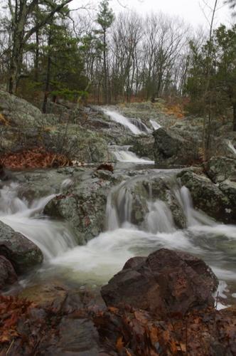 A gentle cascade above the large Mina Sauk falls
